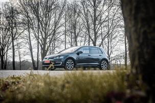 VolkswagenGolfGTE-5.JPG