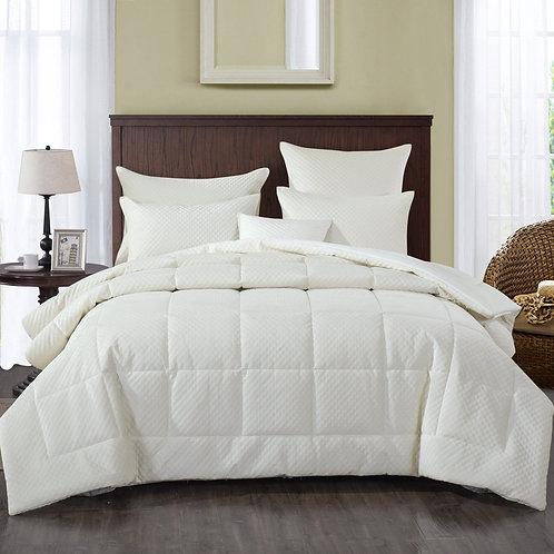 DaDa Bedding Soft Velvet Eggshell White Warm Plush 3D Pattern Comforter