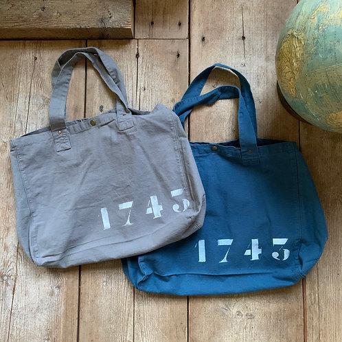 1743 Tas - Navy Grey