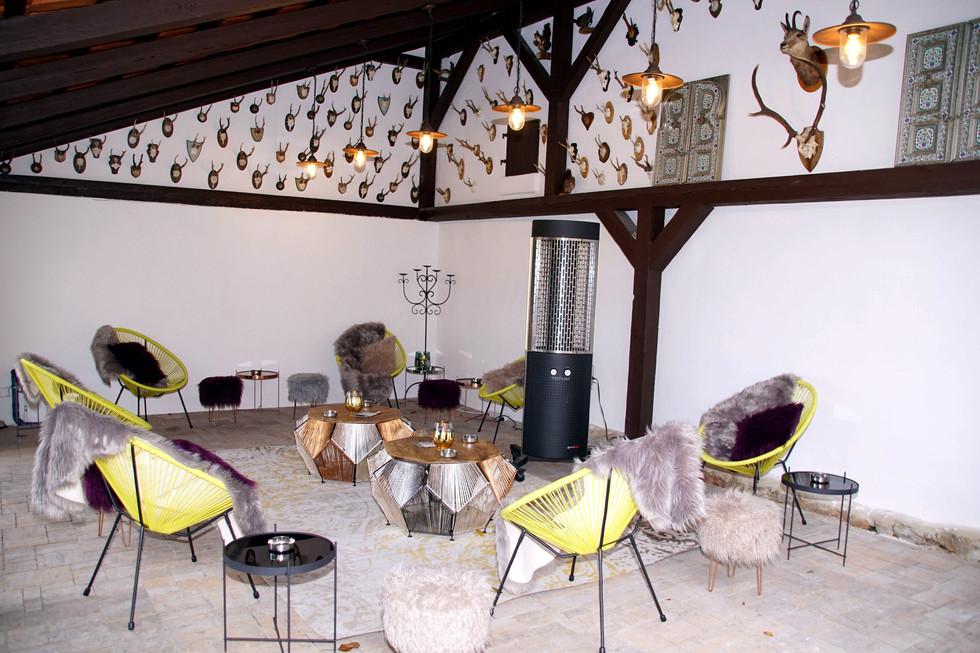 Lounge Außenbereich - mit Überdachung