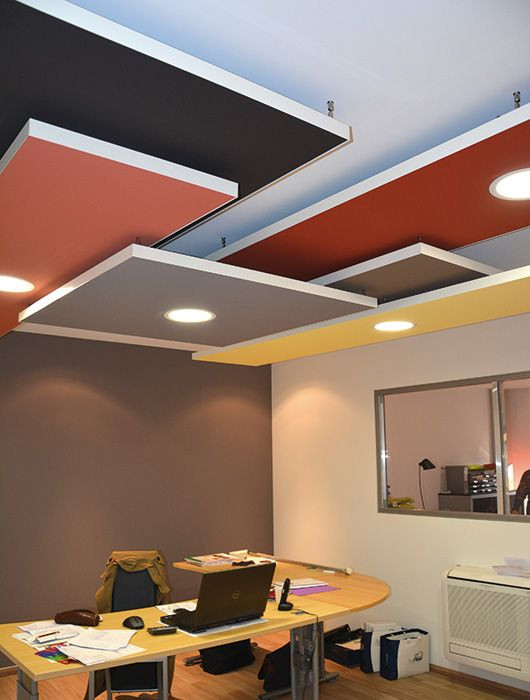 Multi color geometry ceiling