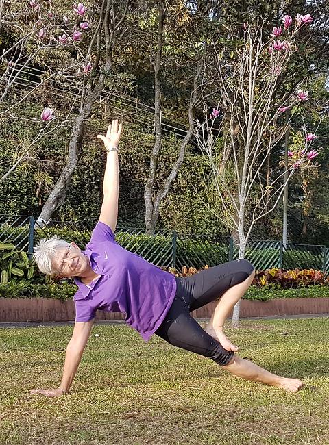 Hiking yoga Hong Kong