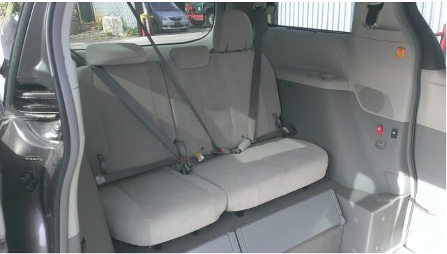 2016 Toyota Sienna LE 8-Passenger - 3