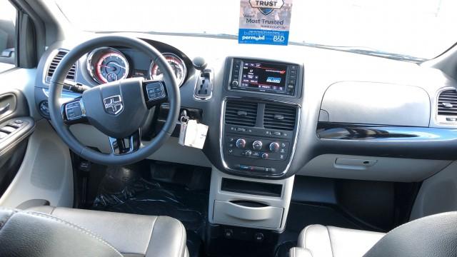2019 Dodge Caravan (12)