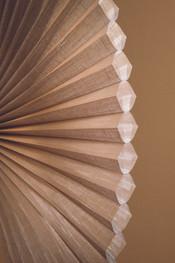 2013_DU_Batiste Semi-Sheer_Fabric Detail