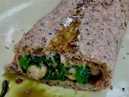 Vegane Hanfpalatschinken mit Spinat-Kichererbsen-Füllung