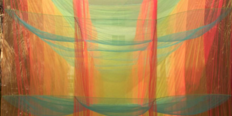 Volumen Textil: Escultura Aérea