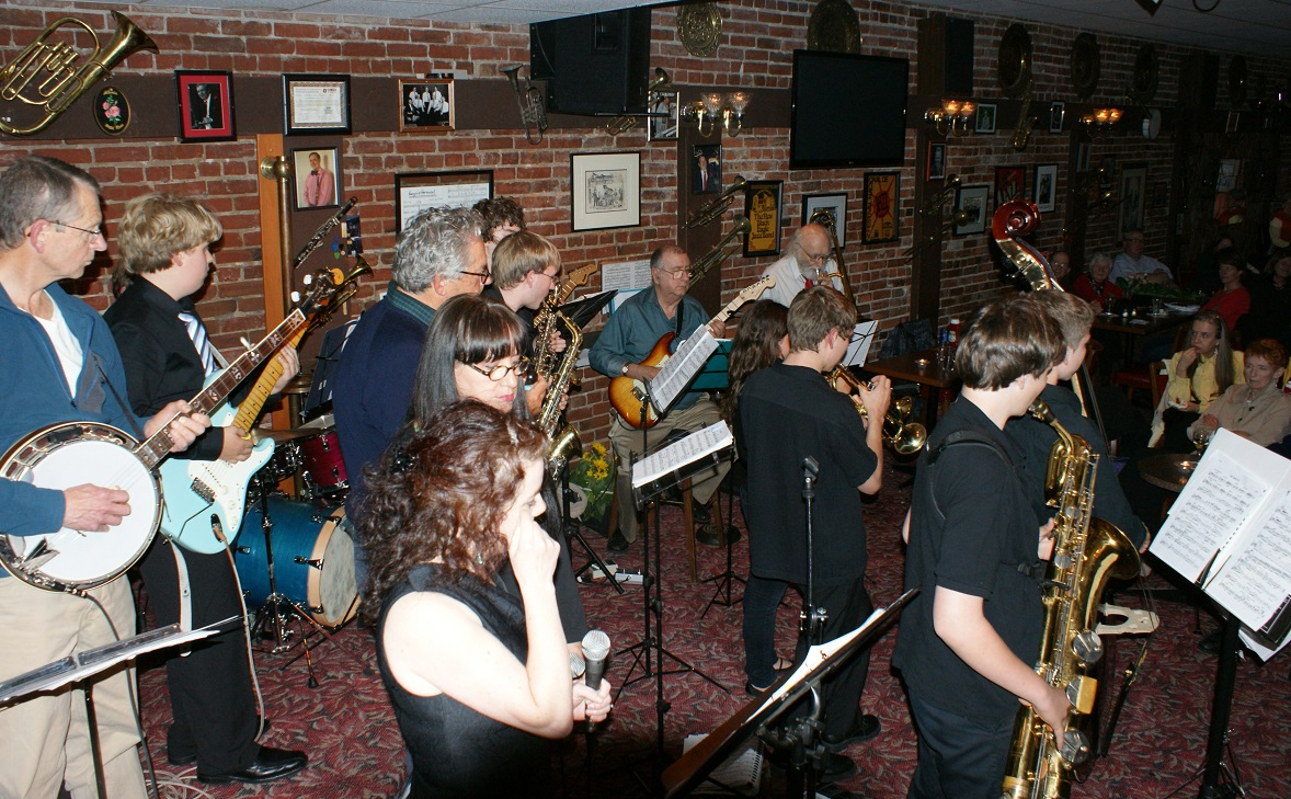 Ujam  (6) Jazz at Hermans