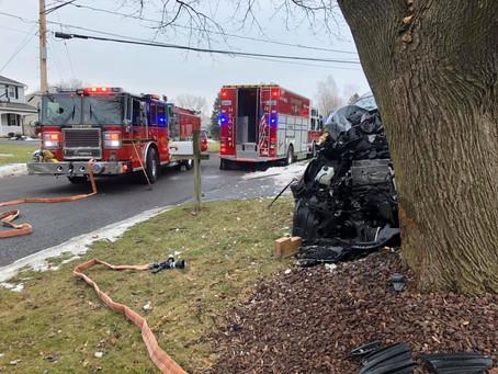 ENGINE COMPANY RESPONDS TO CAMILLUS AUTO ACCIDENT