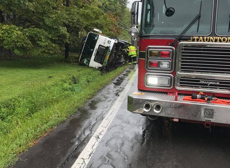 Rescue Engine Response To Garbage Truck Roll Over