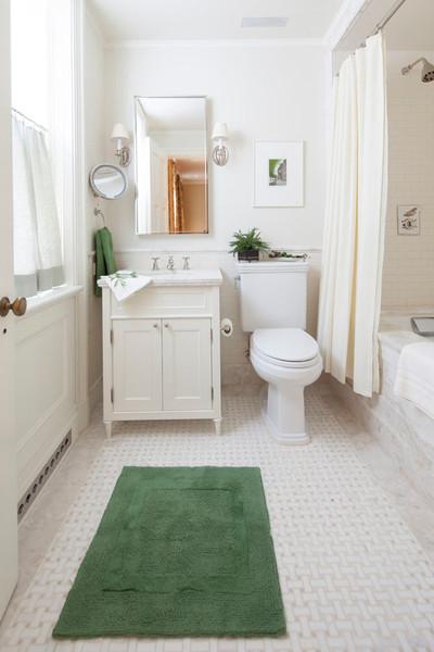 17 Clark Guest Bath.jpg