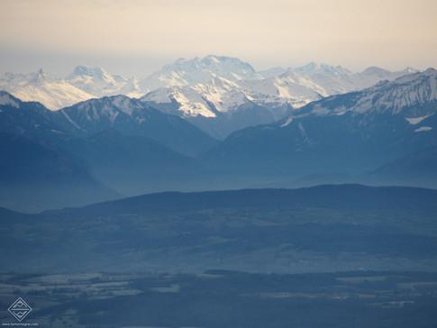 Vue sur les Alpes depuis les crêtes du Jura