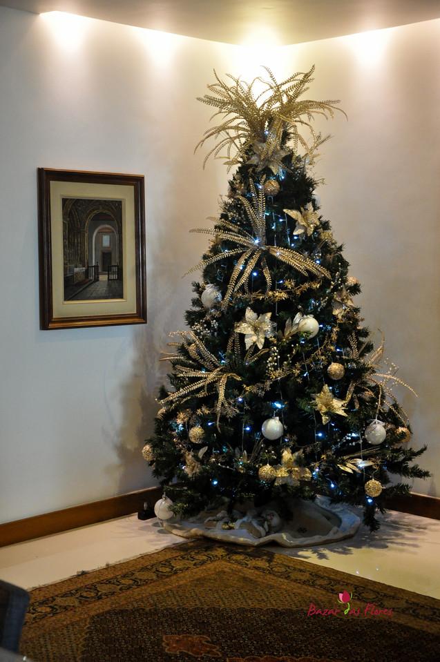 Árvore de Natal 2,10m H Decorada