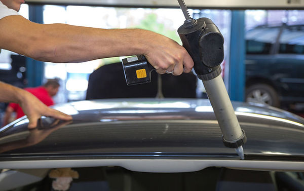 Car Glass Guys, Suto Glass Guys, Best Car Window Replacement In Bay Area, Best Windshiled replacement Bay Area, Car Window Diagnostics, Windshield Installation, Car Mirror