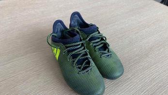 Adidas moulées 31