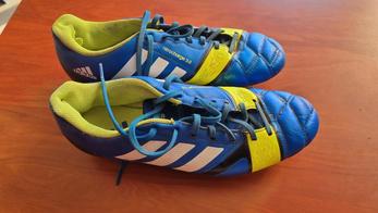 Adidas vissées 42