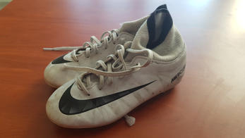 Nike moulées 33