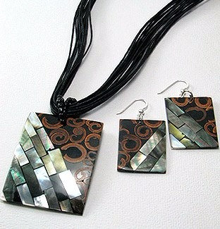 NP153 Wood Shell Abalone Necklace Pendant & Earrings Set