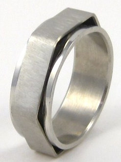SSR37 Matte Finish Hexagonal Spinning Stainless Steel Ring