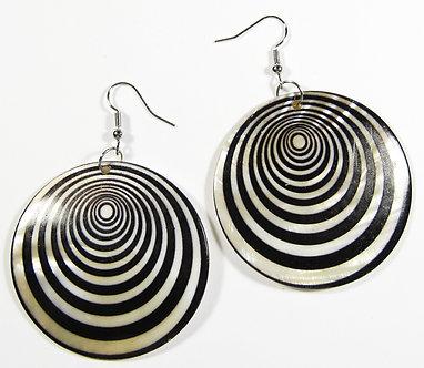 EA154 Black Spiral Pattern Dangle Shell Earrings