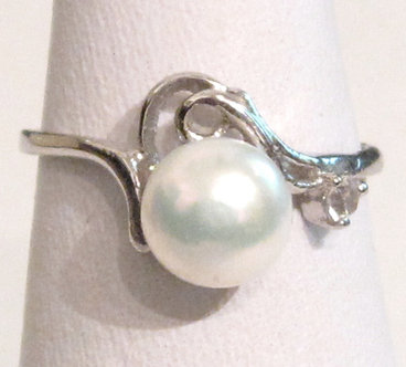 PR025 - 14K White Gold Plated White Pearl Ring