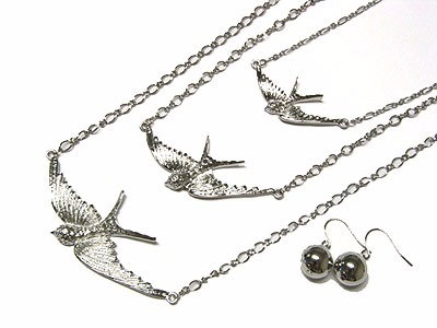 NP63 Extra Large Triple Soaring Dove Necklace set