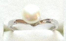 PR04 -- 14K White Gold Plated White Pearl Ring