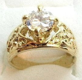 GSR08 Sparkling Clear CZ 18K Gold Solitaire Ring