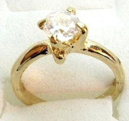 GSR09 Sparkling Clear CZ 18K Gold Solitaire Ring