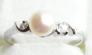 PR018 - 14K White Gold Plated Pink Pearl Ring