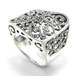 WR107 Stunning Wavy Square Filigree Sterling Silver Chunky Ring