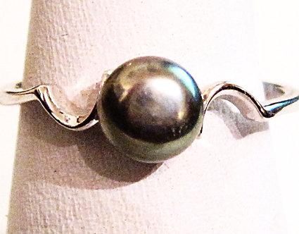 PR028 - 14K White Gold Plated Black Pearl Ring