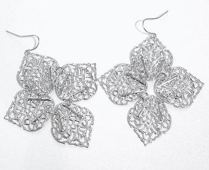 EA156 Exquisite  Filigree Leaf Style Dangle Earring