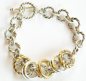 BR46 Assorted Rings on Twisted Chain LinksToggle Bracelet