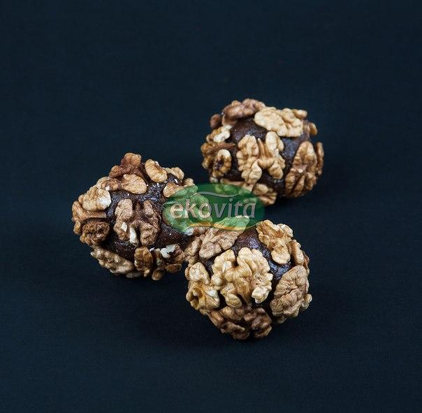 Атом с Грецким орехом