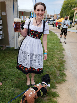 Oscar in Liederhosen and Friend
