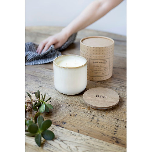Soy Candle in Ceramic Pot