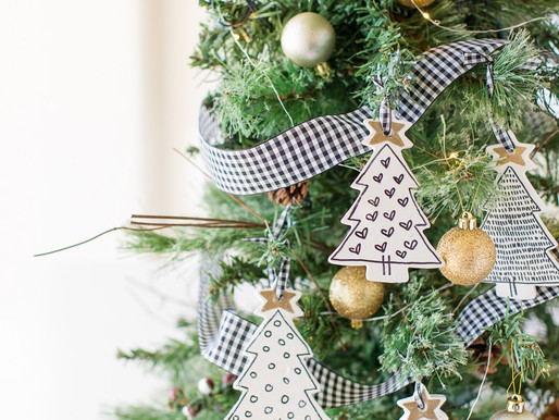 Decorating Your Christmas Tree on a Budget