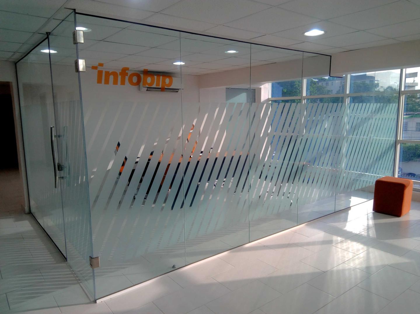 Glass-partition-Infobip (26).jpg