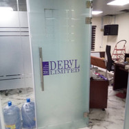 Frameless glass office partition, Debyl