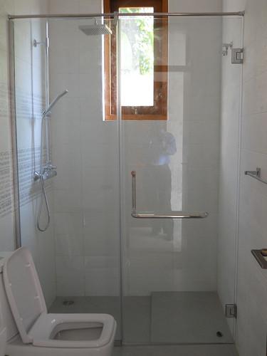bathroom-shower-enclosure-fabmac (22).jp