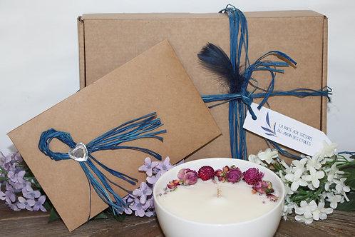 Coffret, carte cadeau 1 soin au choix, bougie fleurs séchées