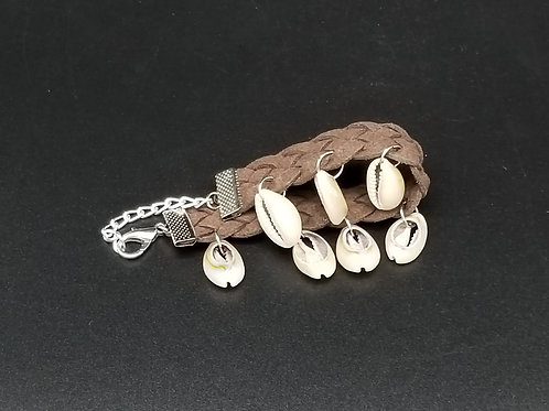 Seashell Bracelet with Brown Leather NB13