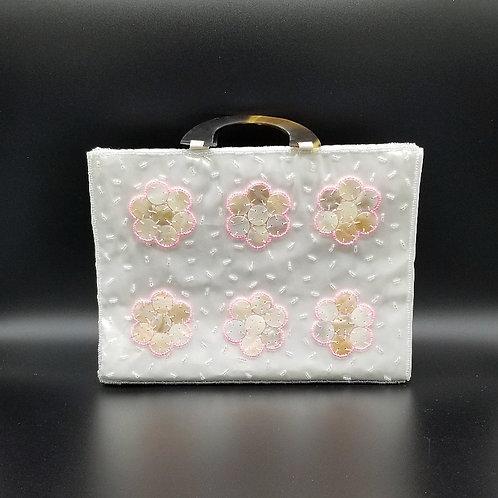 Mini White Seashell Hand Bag NH01