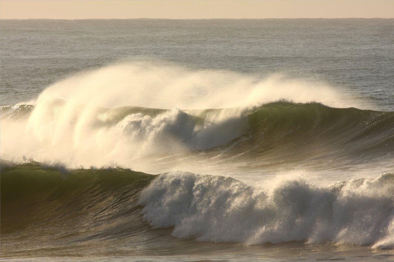 95 waves.jpg