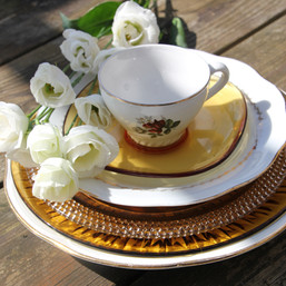 Assortiment de vaisselle de location pour mariage - Les Doux Moments