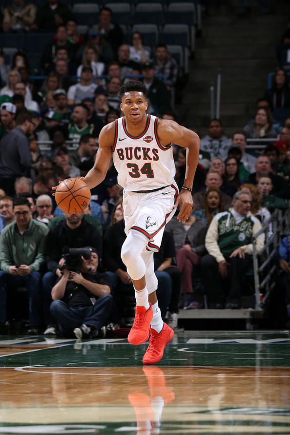 Antetokounmpo does it all in Bucks blowout win over Nets