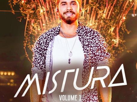 """Gustavo Mioto se joga no forró em novo álbum """"Mistura"""""""