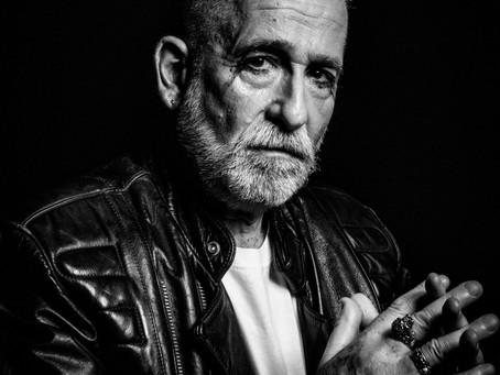 """Thomas Roth apresenta """"Ouro Velho"""", um projeto que celebra os seu 52 anos na música"""