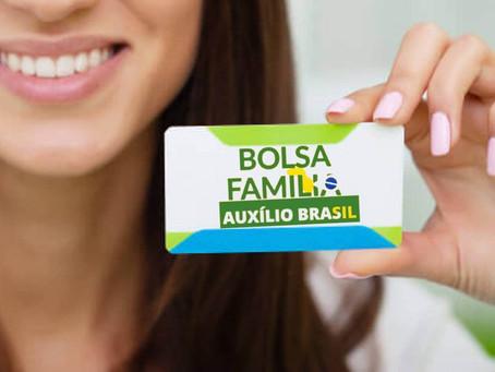 Governo adia anúncio do novo valor do Auxílio Brasil, substituto do Bolsa Família